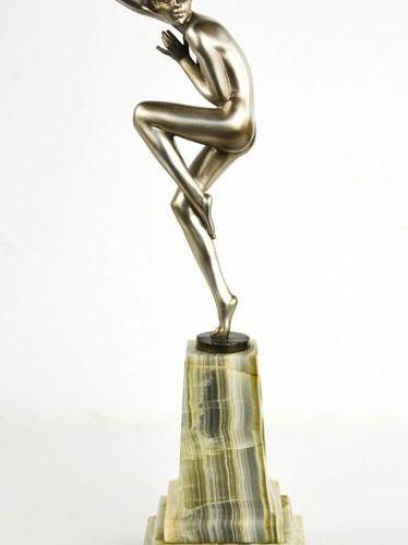 Josef Lorenzl (1892 1950) : une dame dansante Art Déco, à patine argentée brilla…