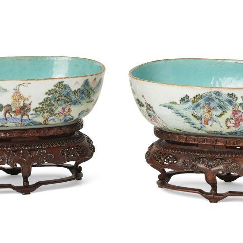 Paire de bols ovales en porcelaine chinoise, période Jiaqing, chacun peint à l'e…