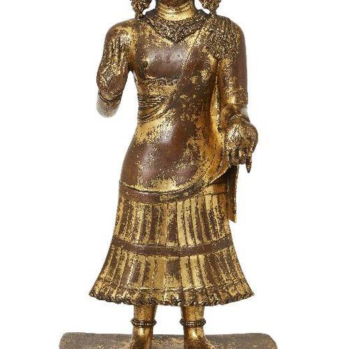 Grande figure debout en bronze doré sino tibétain d'Avalokiteshvara, XVIIe siècl…