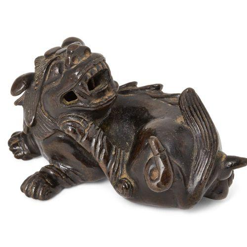 Propriété d'un Gentleman (lots 36 85)    Poids à rouleau en bronze chinois, dyna…