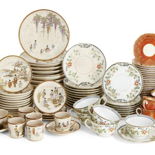 Une collection de vaisselle à thé en poterie japonaise, 20e siècle, comprenant u…