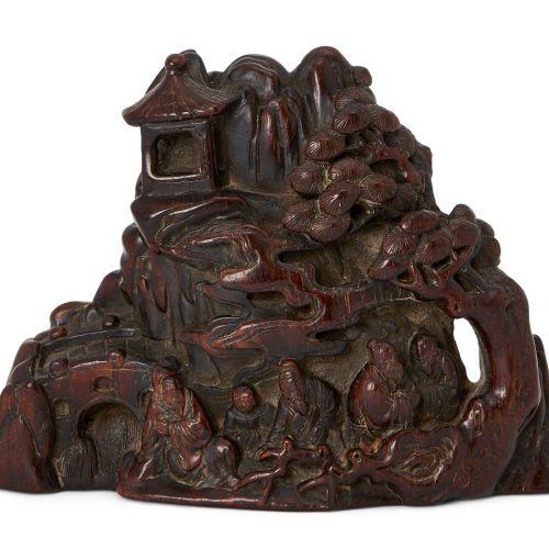 Sculpture chinoise en bois dur, 19e siècle, représentant des érudits et des assi…