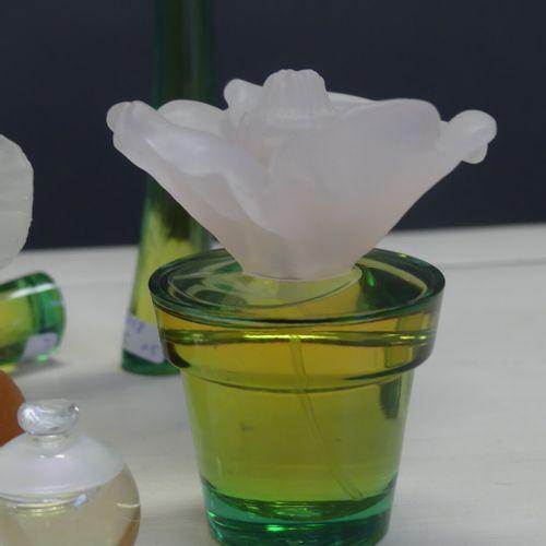 CACHAREL CACHAREL. Réunion de 5 parfums Anais Anais (10ml, 3 20ml et 50ml) et un…