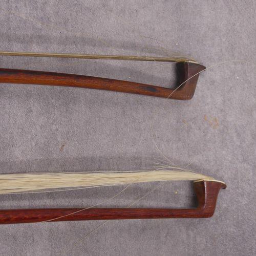 Violon dans son étui avec un archet Antonius Stradivarius Cremonensis faciebat a…