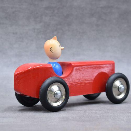 VILAC. Voiture Tintin VILAC. Voiture Tintin rouge en bois avec son Tintin. Longu…