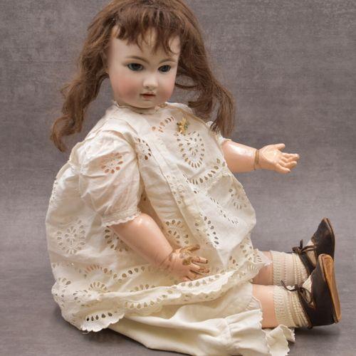 Poupée Bébé Jumeaux Poupée Bébé Jumeaux, yeux bleus. Marqué derrière la tête et …