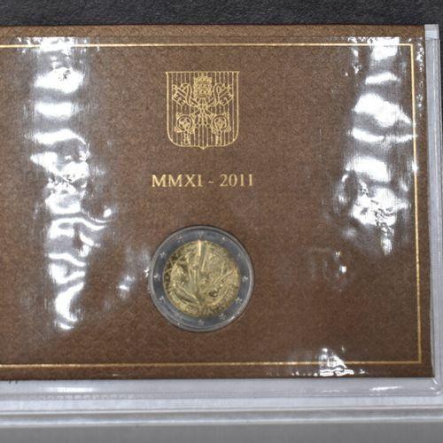 VATICAN, 2011. Pièce commémorative de 2€ VATICAN, 2011. Pièce commémorative de 2…