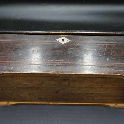 Boîte à musique de type cartel à 8 airs, rouleau 21 cm, clavier à 44 lames, remo…
