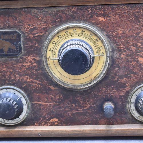 Evernice. Poste batterie à six lampes intérieures en bois. Dimensions : 20 x 20 …