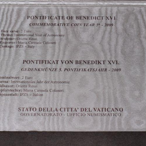 VATICAN, 2009. Pièce commémorative de 2€ VATICAN, 2009. Pièce commémorative de 2…