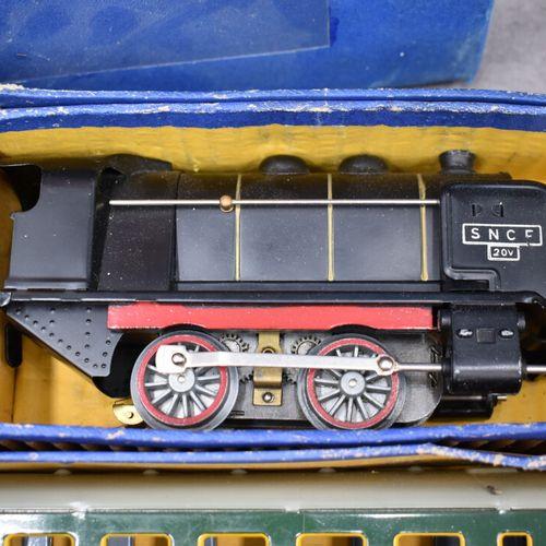 MECCANO MECCANO. Train Hornby 0 6E en métal représentant le Paris Lyon Avignon M…