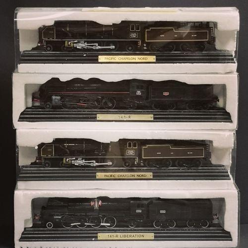 Ensemble de quatre locomotives Ensemble de quatre locomotives. Modèles réduits e…
