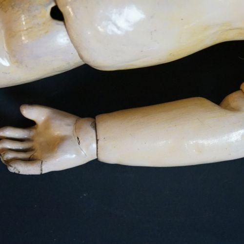 Poupée STEINER à tête en porcelaine pressée Poupée STEINER à tête en porcelaine …
