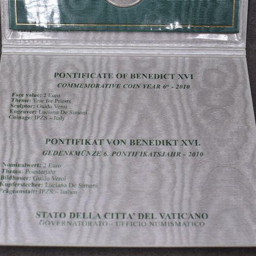 VATICAN, 2010. Pièce commémorative de 2€ VATICAN, 2010. Pièce commémorative de 2…