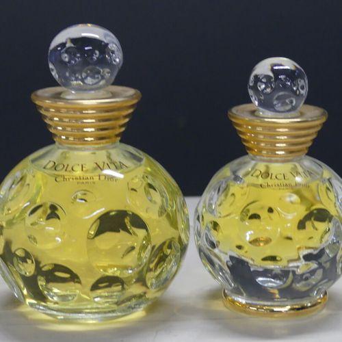 DIOR Christian DIOR. Réunion de deux parfums factices et quatre miniatures: Dolc…