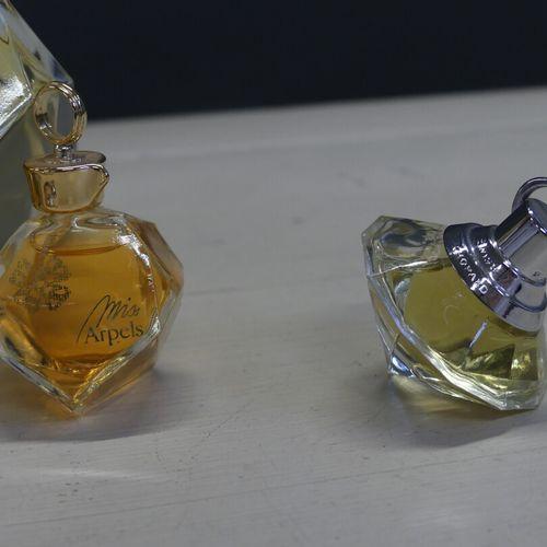 Van CLEEF & ARPELS. VAN CLEEF & ARPELS. Un parfum testeur et sa miniature: Miss …