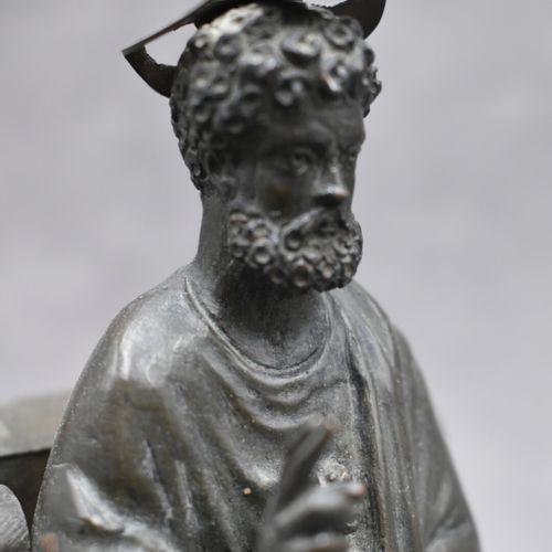 Saint Pierre Saint Pierre, bronze patiné. Reproduction miniature de la Statue de…