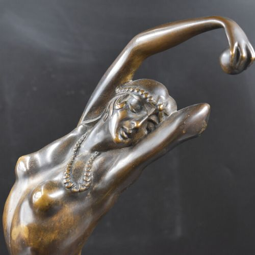 Bronze Paul PHILIPPE (1870/1930), Orientale à la balle, Bronze à patine brune su…