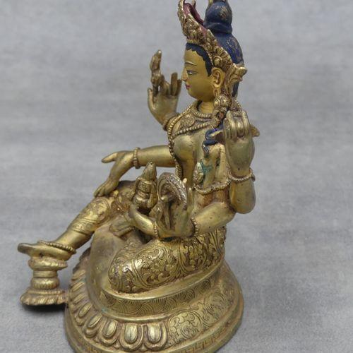 ASIE du SUD. Shiva bronze ciselé et doré, détails du visage et dee la coiffe pei…