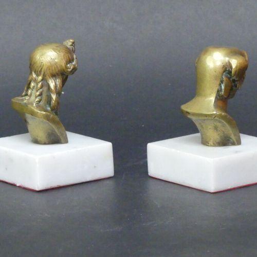Bronze Paire de bronze, Hermès et Aphrodite, sur socle en marbre, 11 cm de haut.