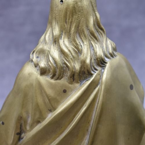 Ecole du XIXème siècle. Ecole du XIXème siècle. Christ en bronze patine dorée. H…