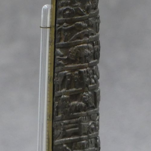 BRONZE, Colonne Vendôme Colonne Vendôme formant thermomètre en métal, reposant s…