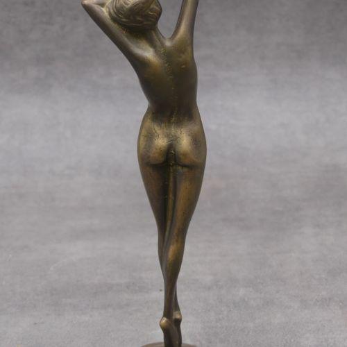 Sculpture en bronze, représentant une femme nue. Signé au socle Guido MARIANI (n…