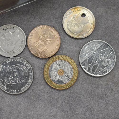 Réunions de pièces et billets Réunions de pièces et billets France et monde.
