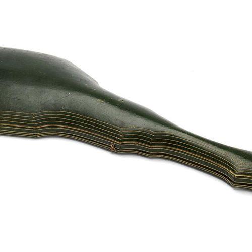A rare and antique polychrome enamel parure Rare et antique parure en émail poly…