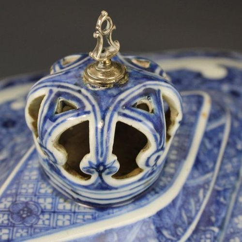 A large blue and white tureen with crown knob and under tray A large blue and wh…
