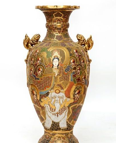 A large Satsuma floor vase A large Satsuma floor vase, Early 1900's, Japan, An o…