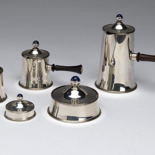 A Dutch silver and lapis lazuli five piece mocha service 荷兰银和青金石五件套摩卡服务,一个普通的锥形模…