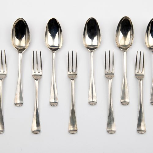 Six Dutch silver table spoons and five table forks, Middelburg 六个荷兰银质餐勺和五个餐叉,米德尔…