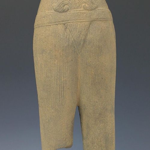 A Khmer sandstone male torso, Baphuon style Torse d'homme en grès khmer, style B…