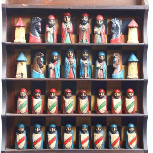 Giant chess set, shelves and pieces in natural polychrome wood. ( pieces : 10X5 …