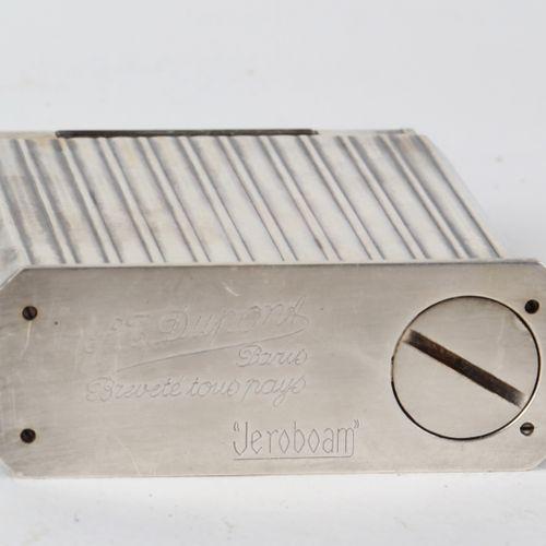 """DUPONT, important briquet """"Jéroboam"""", métal argenté, 10X7,5X3"""