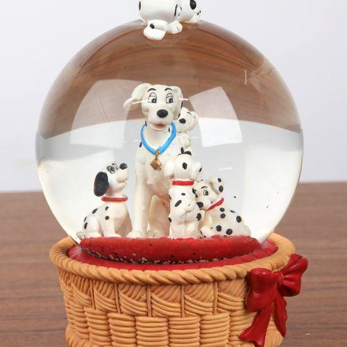 """""""Boule de Noël"""", et boite à musique à décor des """"101 dalmatiens"""". 16x12cm."""