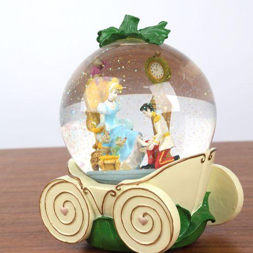 """""""Boule de Noël"""", et boite à musique à décor de Cendrillon. 16x12cm."""