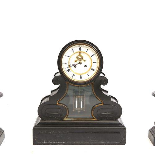 重要的壁炉,黑色大理石,一个时钟,水银机芯,46X52X14和24X16X10的卡索。