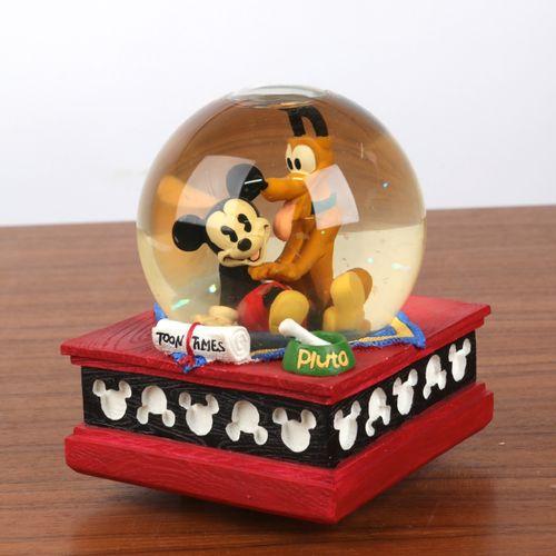 """""""Boule de Noël"""", et boite à musique à décor de """"Mickey et Pluto"""". 16x12cm."""