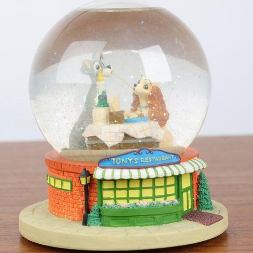 """""""Boule de Noel"""", et boite à musique à décor de"""" la belle et le clochard"""". 16x12c…"""