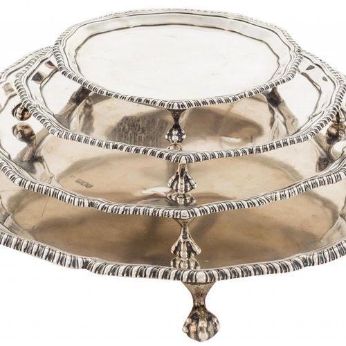 Un set di quattro diverse dimensioni in argento sterling punzonato e timbrato co…