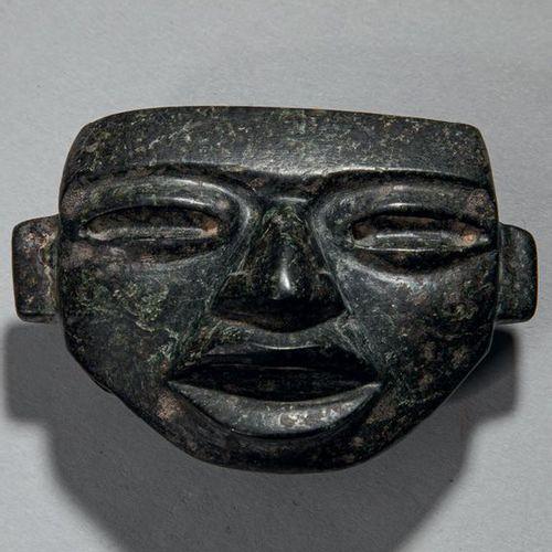 Petit masque Ce beau visage reflète l'idéalisation de Teotihuacan: lèvres charnu…