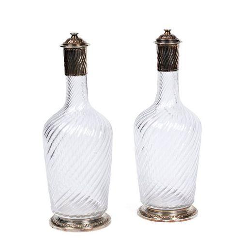 Deux aiguières en cristal, monture en argent (950 millièmes)  Boitaburet à Paris…