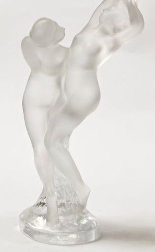 Lalique  Couple dansant  Sculpture en cristal dépoli, signé Lalique R France sur…