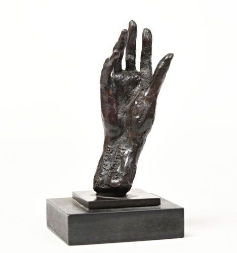"""After Damien HERMELLIN (1942)  """"The hand of Serge Peretti (1905 1997)""""  Bronze, …"""