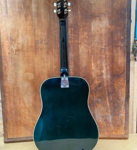 Guitare folk de marque Eko modèle E20  Made in Italy Circa 1970  Fissure table B…