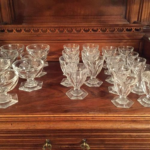 House BACCARAT, model HARCOURT including  16 water glasses  7 champagne glasses …
