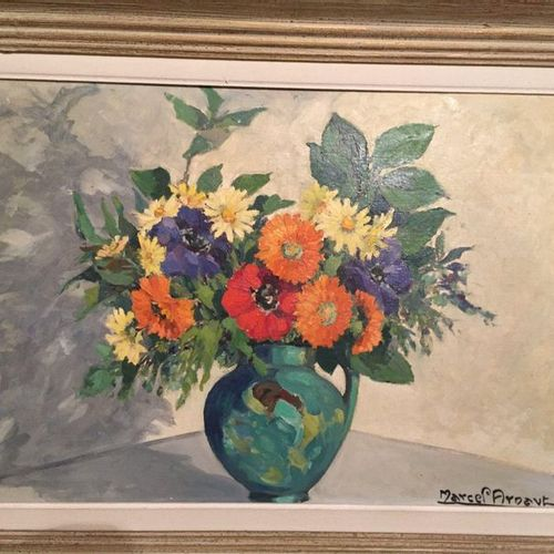 French school with a signature  Bouquet of flowers  Oil on panel, 37x54cm