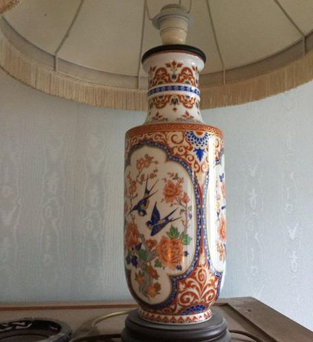 2 vases mounted as a lamp
